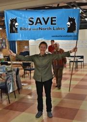 Pam-Nairn-with-Save-Beeliar-Wetlands-banner-from-2014-Photo-D-McDougie-2017
